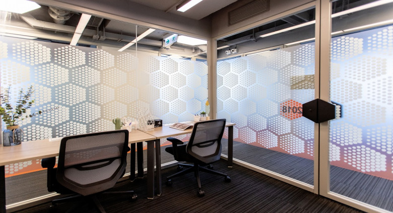 2 pax office 1
