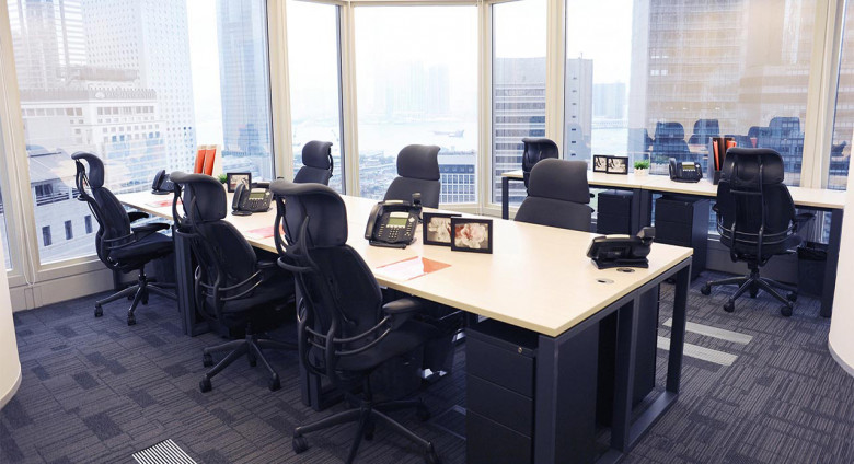 中環長江集團中心 / Cheung Kong Center - A Prime Location For Your Office In The Heart Of Hong Kong's Business District